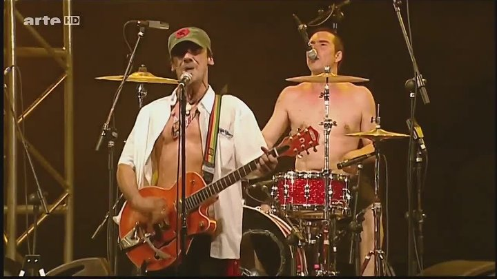 Manu Chao. - Rumba de Barcelona -Live at Bayonne. by zaza.