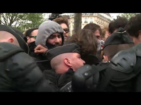 Malgré linterdiction,manifestation contre la violence policière