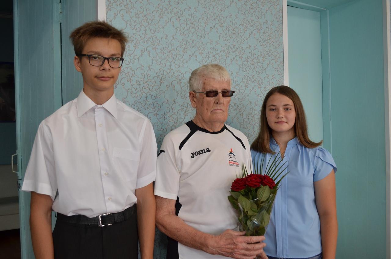 Сегодня поздравления с предстоящим 85-летием принимает Виктор Дмитриевич ЛУТОХИН
