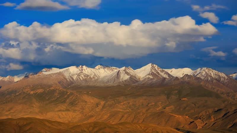 Плато Арабель Киргизия на высоте в 3800 метров над уровнем моря