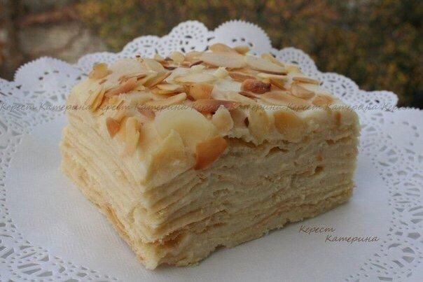 Вкуснейший Торт Наполеон Нужно стакан = 240 млТесто:125 г холодного сливочного масла или маргарина, нарезать кубиками2 стакана муки , на присыпку0,5 ч л соды1,5 ч л уксуса (9%)1/3 стакана