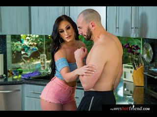 Naughty America - My Wife's Hot Friend / Jennifer White & Stirling Cooper