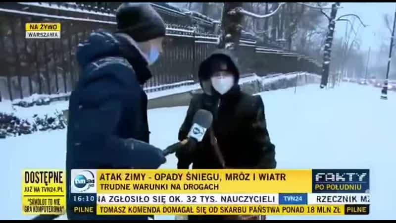 Белорус в Варшаве помог тронуться забуксовавшему автобусу