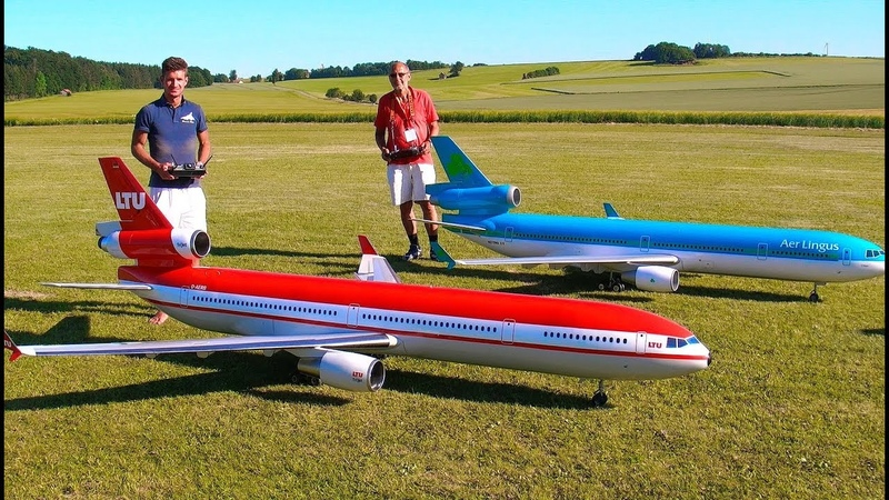 INCREDIBLE 2 HUGE RC MD 11 PASSENGER SCALE MODEL TURBINE JET AIRLINER SYNCRO FLIGHT DEMONSTRATION