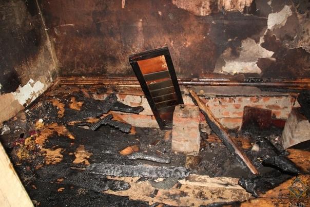 Но вернемся к плохим новостям. В Гомельском районе на пожаре погибли мать и сын. Возгорание в кирпичном доме в агрогородке Мичуринская произошло в первой половине дня. О нем сообщил на спецлинию