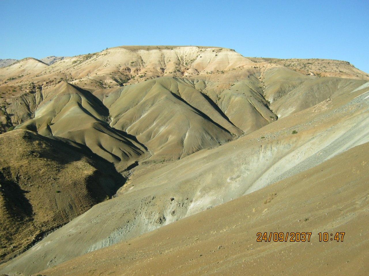 Красивые полупустынные пейзажи в Кемалийе
