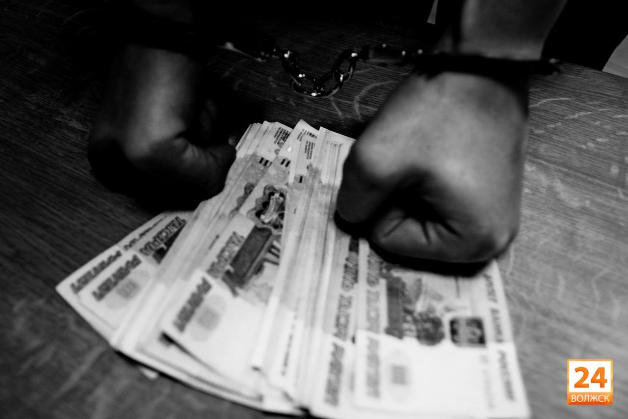 Жителя Марий Эл обвиняют в даче взятки инспектору ДПС