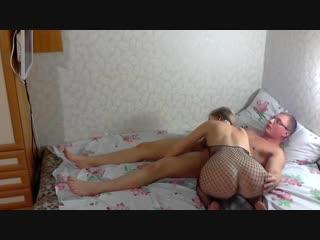 Сосет начальница сотруднику изменяет мужу сочная зрелая шлюха милф секс порно