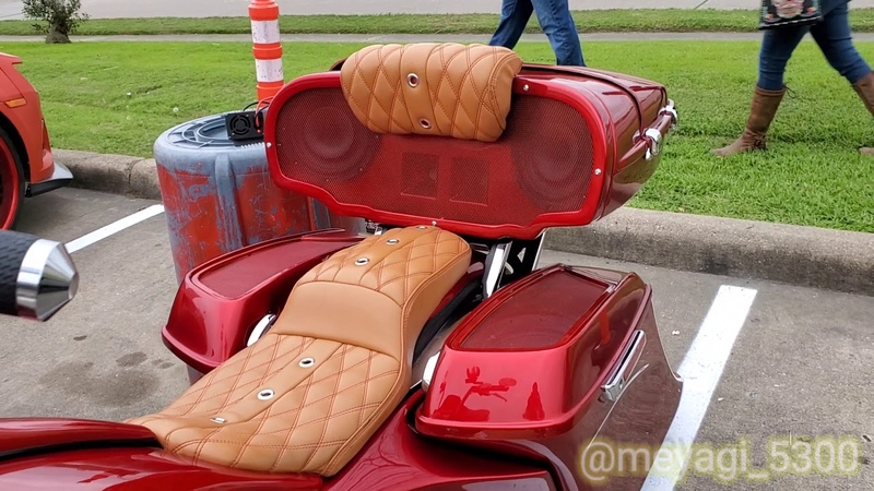 Houston TX custom baggers banger audio sound show b a s s