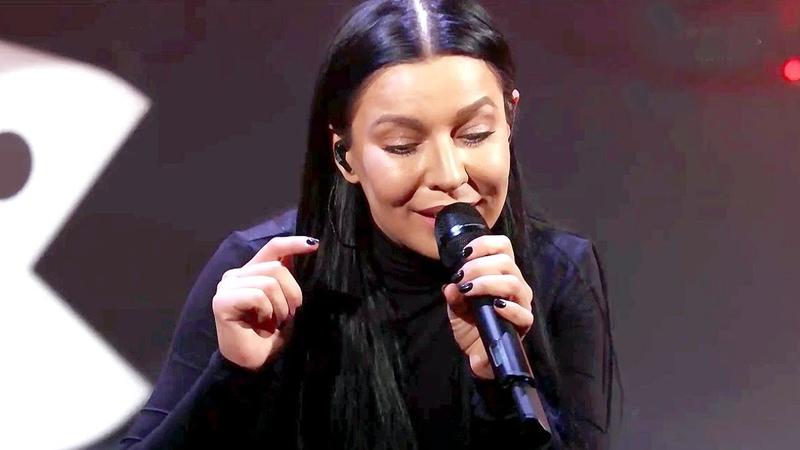 Ёлка исполнила песню Где ты на Новом радио