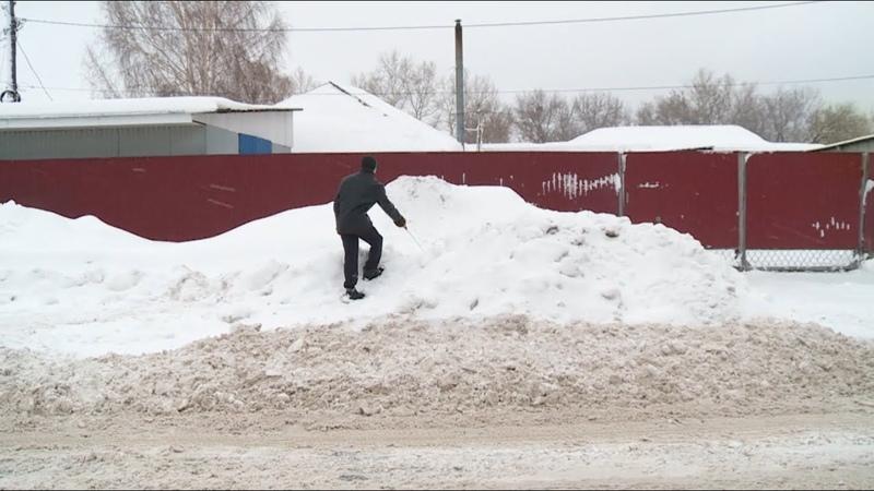 Неубранный снег стал настоящим препятствием для незрячих и слабовидящих людей Бийское телевидение