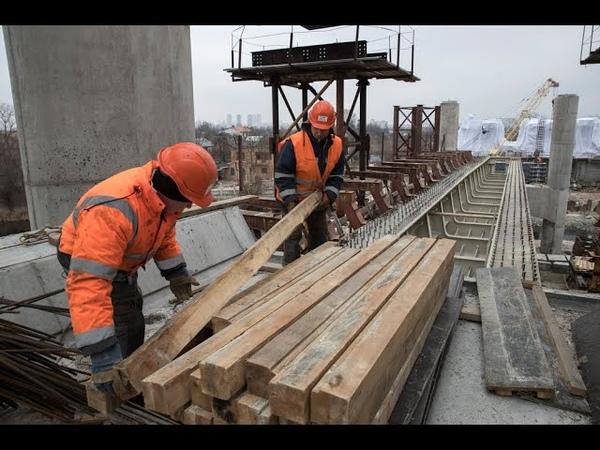 Будівництво Подільсько-Воскресенського мосту не припиняється і взимку
