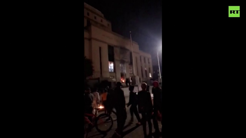 Not so peaceful any more Fire erupts from Oakland courthouse during protest