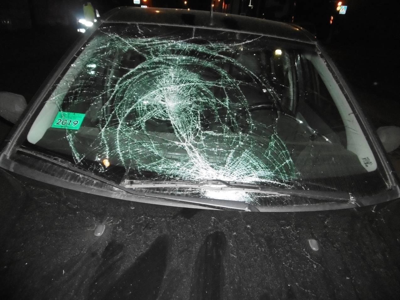 Парень выбежал на дорогу и попал под легковушку на улице Горького в Витебске