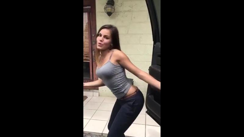 Novinha dançante