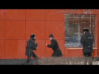 Эдвард Бил подрался с полицейским
