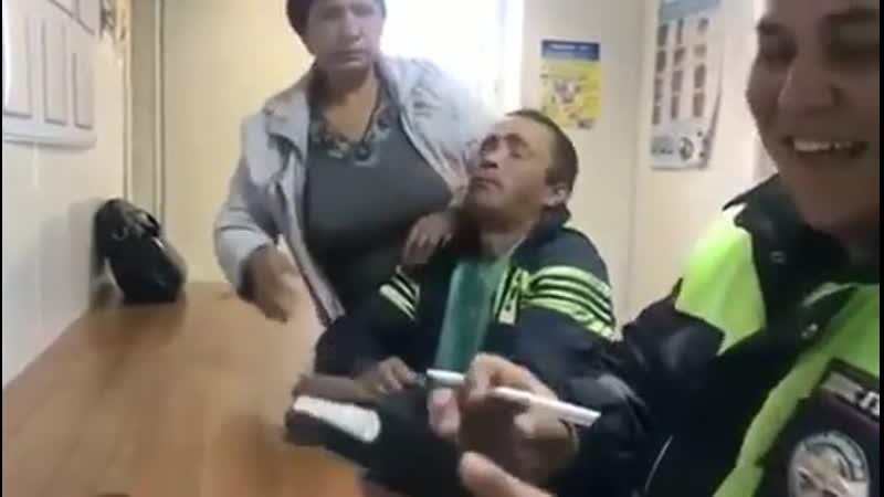 Баба прописала леща мужу на глазах у гаишника в Татарстане