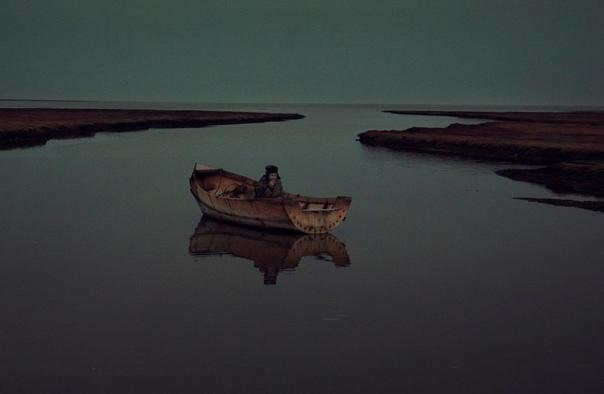Самый одинокий человек на планете На нашей планете существуют такие места, где нет людей. В одном из таких мест живет и работает 63-летний профессиональный полярник, специалист-метеоролог