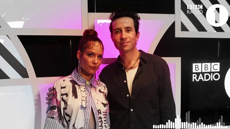 HALSEY CONFIRMED THERE IS COLLABORATIONS IN MANIC / Halsey - BBC Radio 1 Live Lounge Full Interview