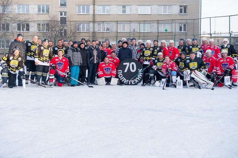 «Люди, на которых нужно равняться»: 70-летие ХК «Политехник» отметили матчем ветеранов челябинского хоккея, изображение №4