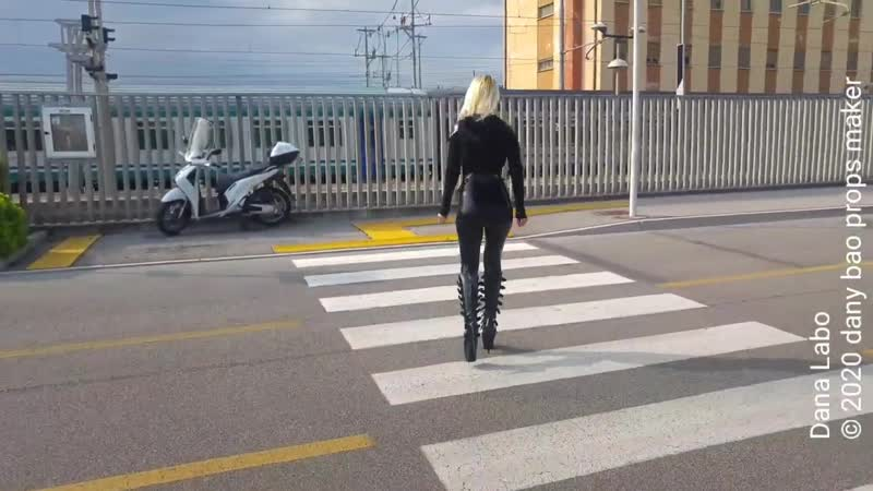 DANA LABO the black panther woman in latex catsuit by Simon o and shiny boots