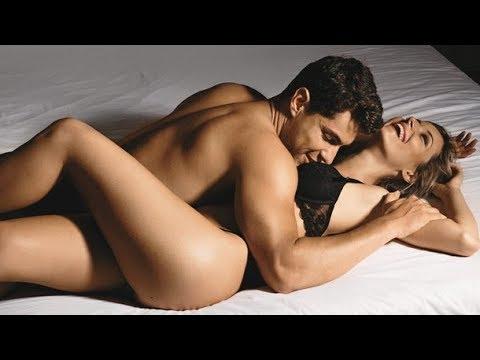 Романтичный секс молодой пары