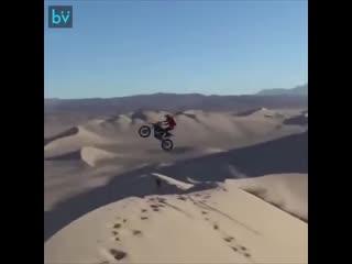 Мотоцикл, дюны и...