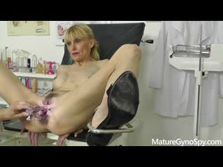 [LIL PRN] Mature Gyno Spy - Valeria Blond - Voyeur recording of hot MILF's squirting orgasm in gynochair  1080p Порно