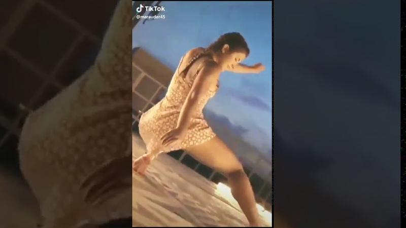Sexy Girl Twerking Booty Shaking Hot Model Big Butt Dancer 20 1 2020 sexy skirts 720p