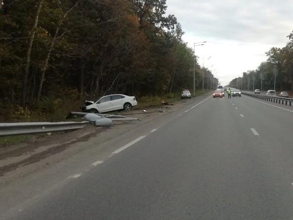 В Самаре на Волжском шоссе водитель на большой скорости в...