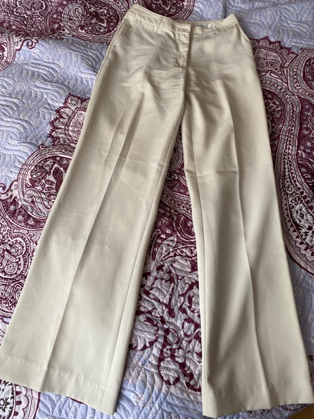 Отдам женские брюки-палаццо за бананы. Размер 36( 40-42)....