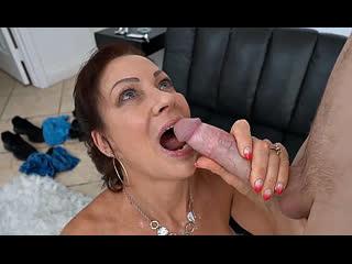 ПОРНО -- ЕЙ 56 -- МАТЬ ВСЕГДА РАДОВАЛА ВЗРОСЛОГО СЫНА -- инцест --  -- porn sex milf gilf -- Vanessa Videl