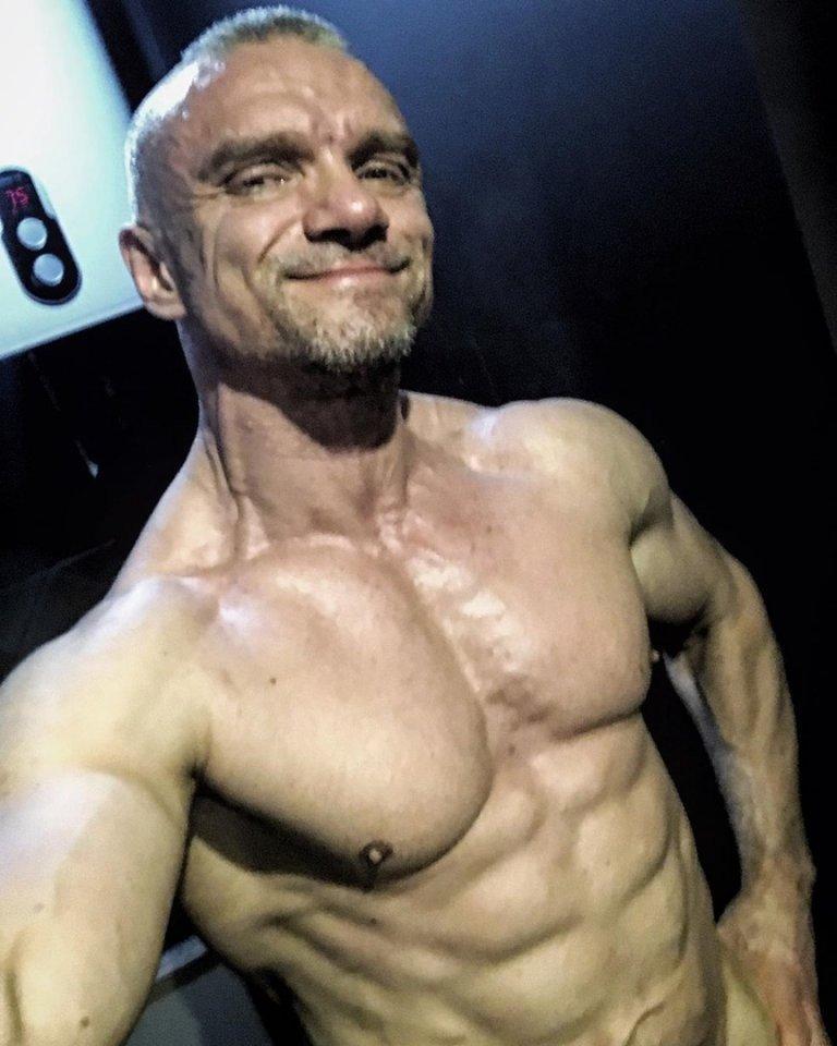 48-летний актёр Владимир Епифанцев