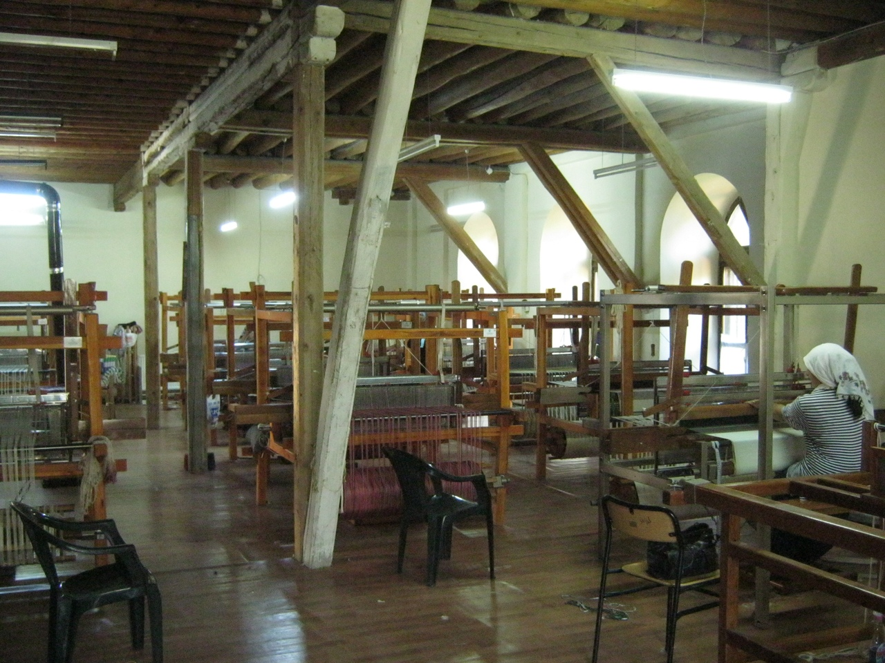 В бывшей армянской церкви - швейный цех