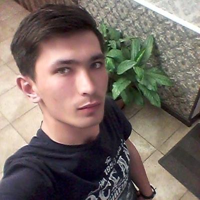 Артём, 25, Merke