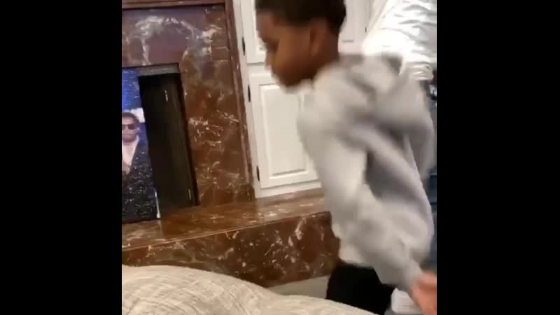 LilBibby's nephew and GHerbo's son feeling the vibes 🎶 FivioForeign 14h