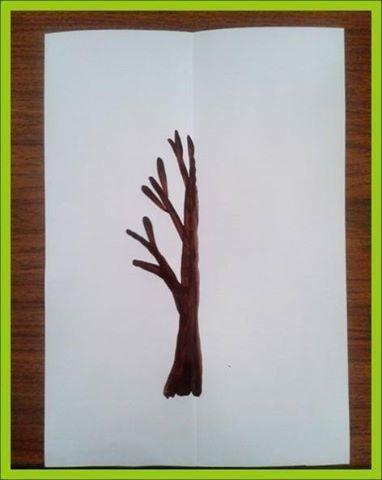 МОНОТОПИЯ Монотипия считается одной из простейших нетрадиционных техник рисования (от греческого monos - один, единый и tupos - отпечаток).Это простая, но удивительная техника рисования красками