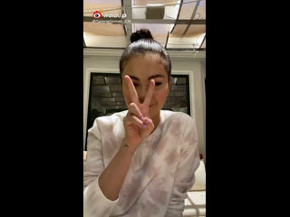 Selena Gomez via Weibo